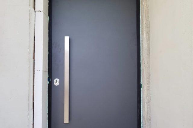 ALU protuprovalna vrata - glatki dizajn