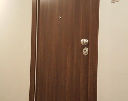 Protuprovalna vrata za stan glatki panel