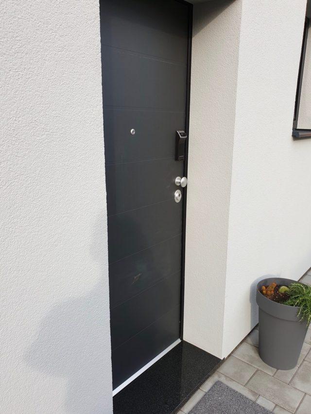 Protuprovalna vrata za kuću s digitalnom bravom